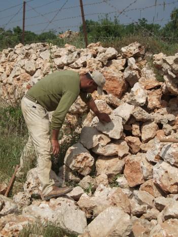 Rebuilding the walls Credit EAPPI EStrachan