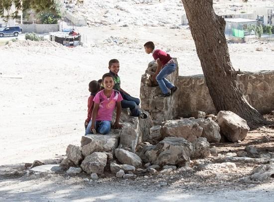The children keep an eye on us [Photo: EAPPI/E. Aldenberg]