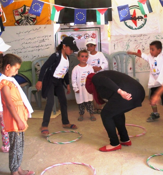 (or: Having fun at Susiya summer camp. Photo:  EAPPI/A.Davison)