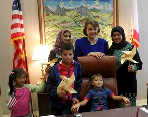 Fatma Nawaja, director of the Rural Womens' Association, with Naima Hathaleen and children from Susiya and Um al Kher, meeting with US Senator Feinstein [Photo: Rebuilding Alliance]