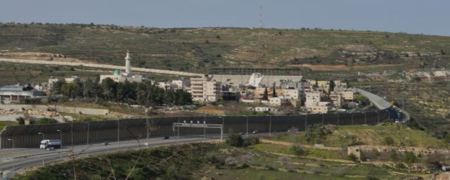 2 Al Khadr Route 60 to Hebron runs alongside the four schools in Al Khadr, to the right EAPPI K Fox.jpg