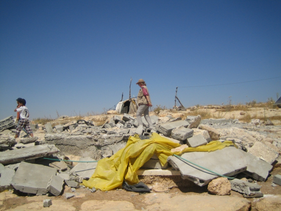 20-06-2016-wadi-jhesh-shh-a-demolished-home-which-the-idf-soliders-and-bulldozer-initiated-on-19-06-2016-with-orders-contested-at-court-eappi-s-ntombeni4