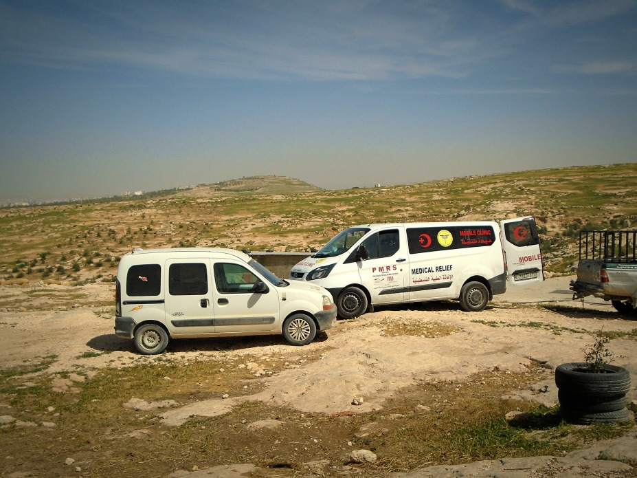 270318 Qawawis Mobile clinic also serving Shi_b al Butum Photo EAPPI RClarke